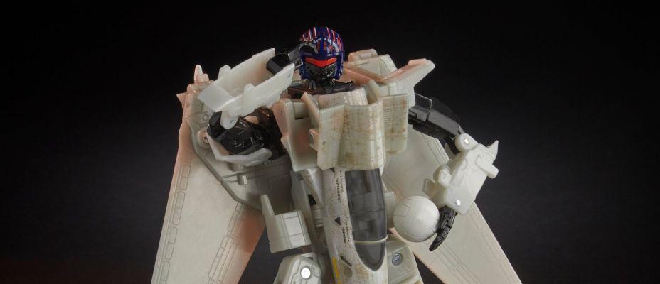 Transformers Top Gun Crossover Figure Maverick Revealed