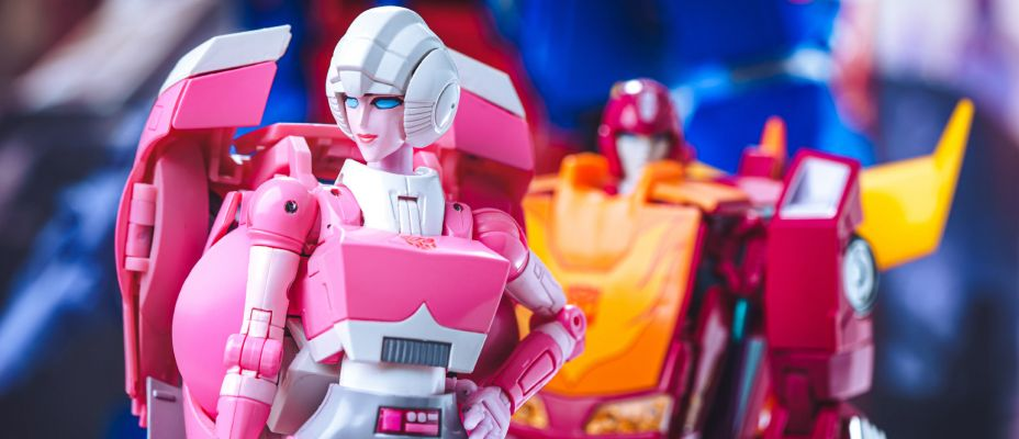 MP-51 Masterpiece Arcee Photo Gallery